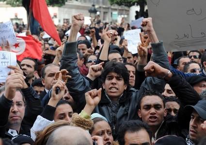 تظاهرة كبيرة لحركة النهضة بتونس دفاعا عن الشرعية