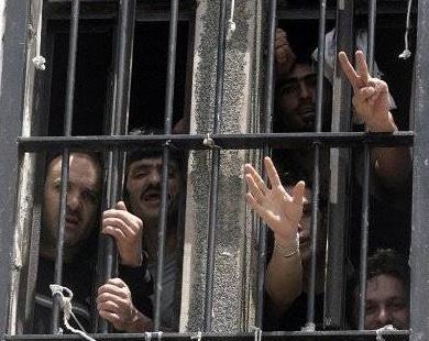 إدارة سجن مجدو تنقل 30 أسيرا