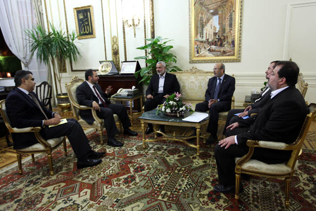 وزير الخارجية المصري: نستقبل حماس كزوار