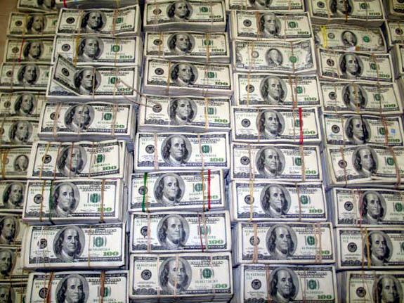 رئيس شعبة الصرافة في مصر: لا نلبي أكثر من 20% من الطلب على الدولار
